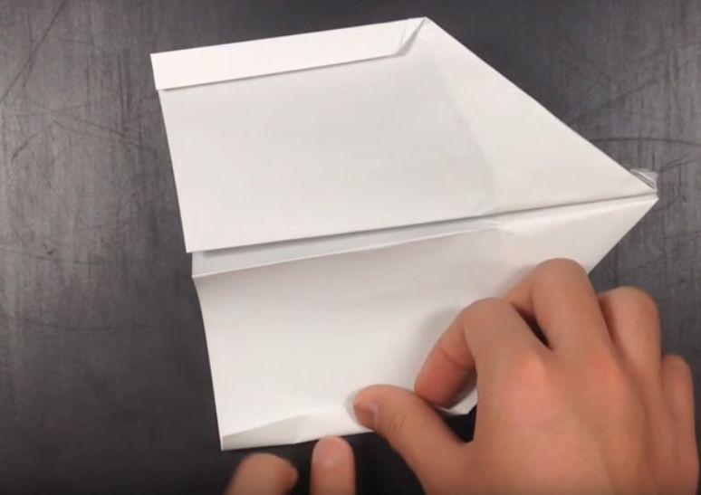折り紙だけで遊べる!よく飛ぶ紙飛行機の折り方解説動画集!